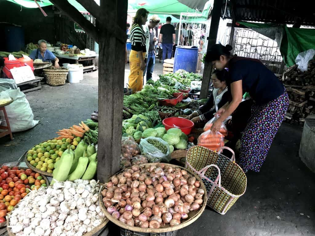he Market and its colorful fruits and veg